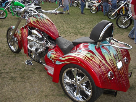http://leathersupreme.com/bike-week-2011/bike-week-2011-144.JPG