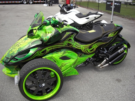 http://leathersupreme.com/bike-week-2011/bike-week-2011-21.JPG